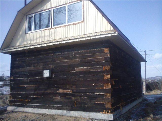 Строительство гаража из шпал фото