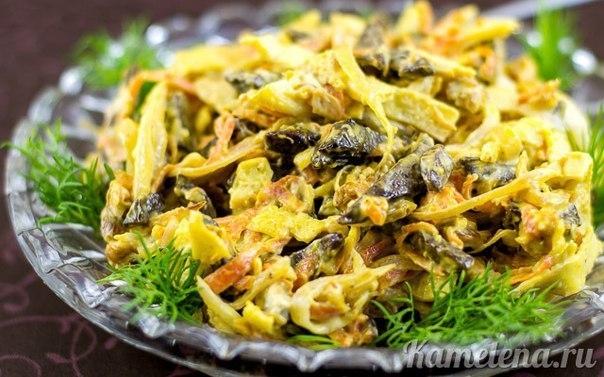 Очень вкусный и сытный салат с романтичным названием! Отлично подходит к любому столу!